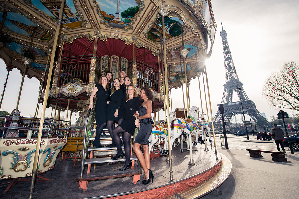 Shooting Photo EVJF Enterrement de vie de jeune fille Paris Tour Eiffel